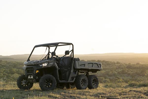 Can-Am révolutionne l'expérience de travail avec une gamme Defender renouvelée et le tout nouveau modèle 6×6